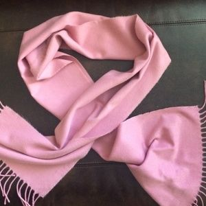 100% Cashmere Made in Scotland pink Scarf